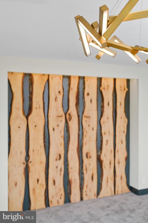 Multi wood slabs as bed headboard - 1120 GUILFORD CT, MCLEAN