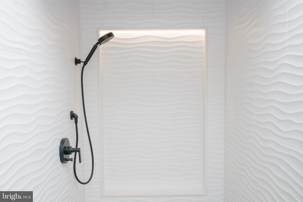 Shower at Sauna area - 1120 GUILFORD CT, MCLEAN
