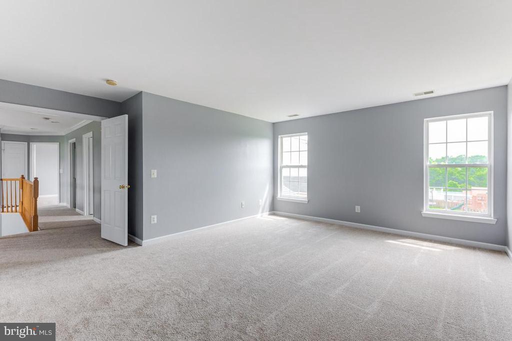 Huge Master bedroom - 11139 EAGLE CT, BEALETON