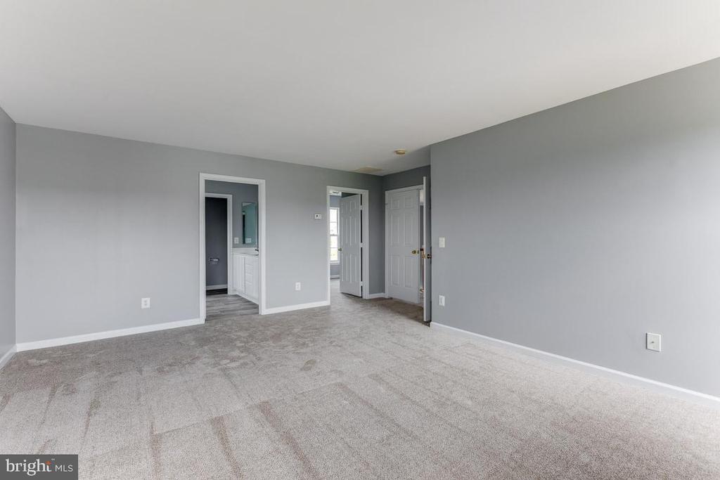 Master bedroom - 11139 EAGLE CT, BEALETON
