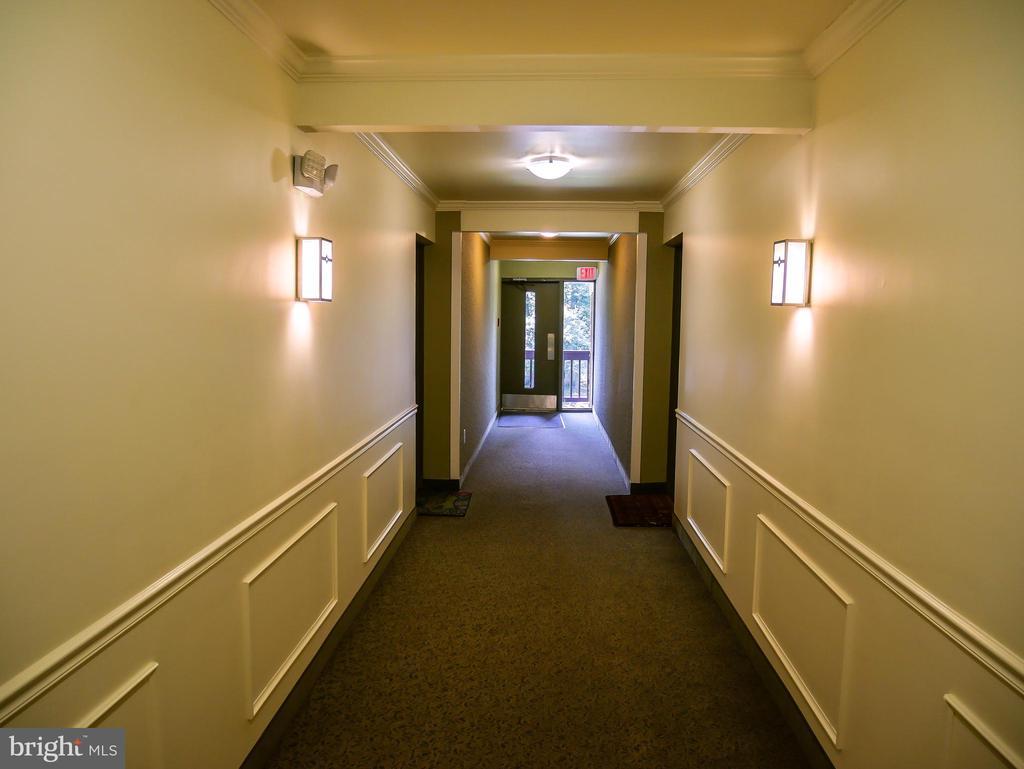 Hallway - 5761 REXFORD CT #S, SPRINGFIELD