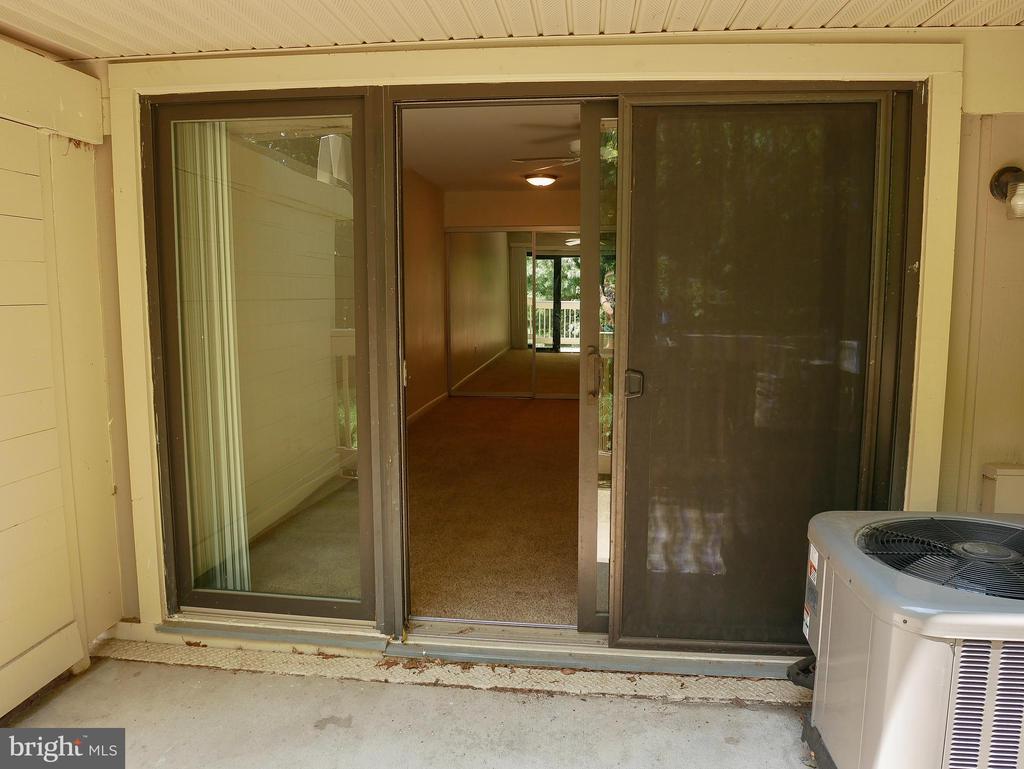 Balcony sliding doors - 5761 REXFORD CT #S, SPRINGFIELD