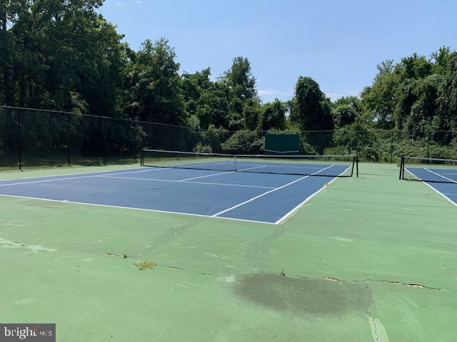 Community Tennis - 11902 HOLLY SPRING DR, GREAT FALLS