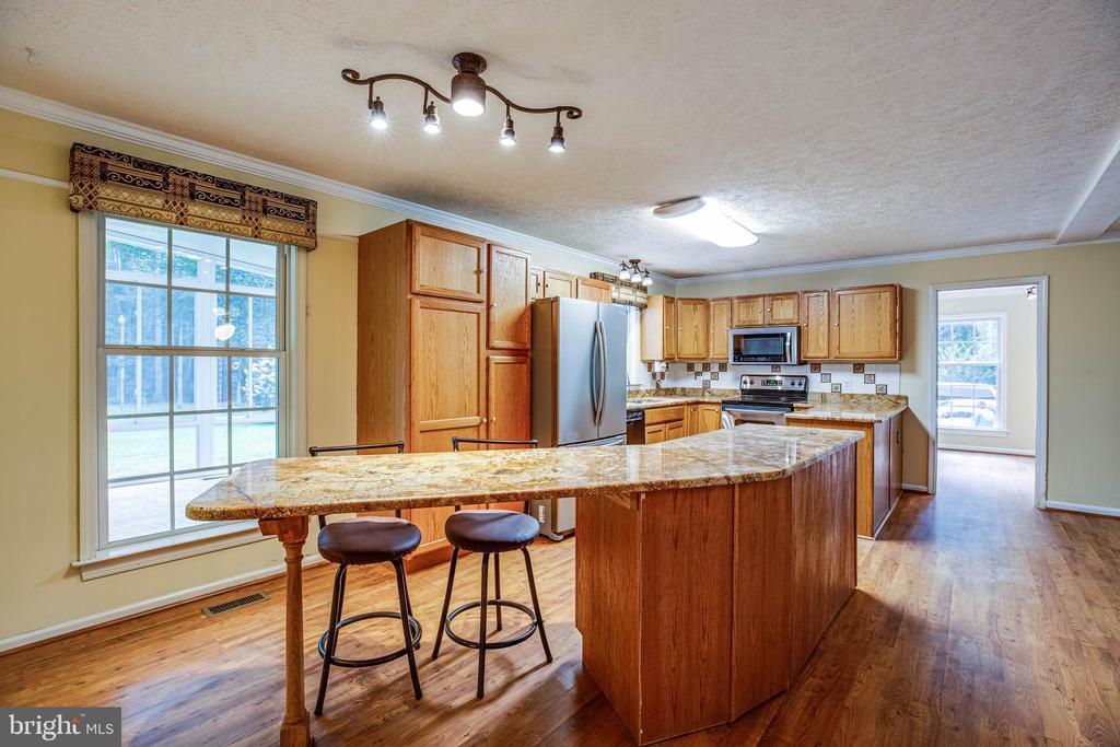 Kitchen - 15060 LESTER LN, MILFORD