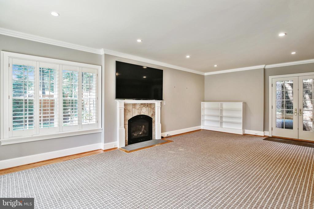 Family room with Fireplace  French doors to patio - 3038 N PEARY ST, ARLINGTON