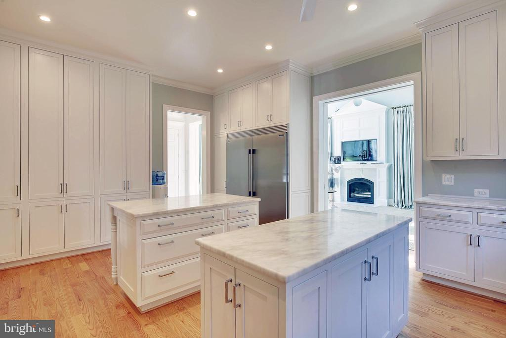 Stainless appliances - 3038 N PEARY ST, ARLINGTON