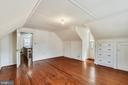 upper level bedroom - 114 S BUCKMARSH ST, BERRYVILLE