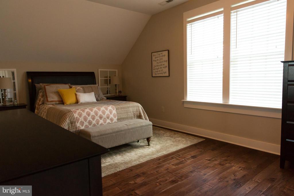 Apartment bedroom - 13686 HIDDENHOLLOW LN, LEESBURG