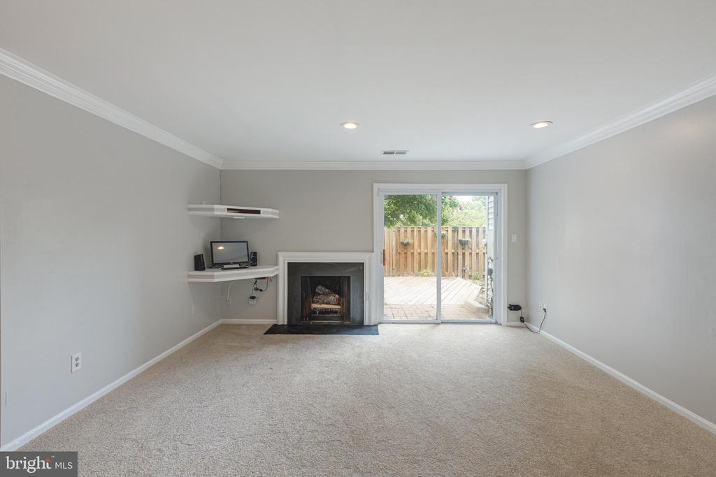 Wood burning fireplace (never used by Sellers) - 5975 FIRST LANDING WAY #3, BURKE