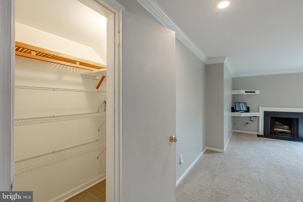 11'x3' Closet - 5975 FIRST LANDING WAY #3, BURKE