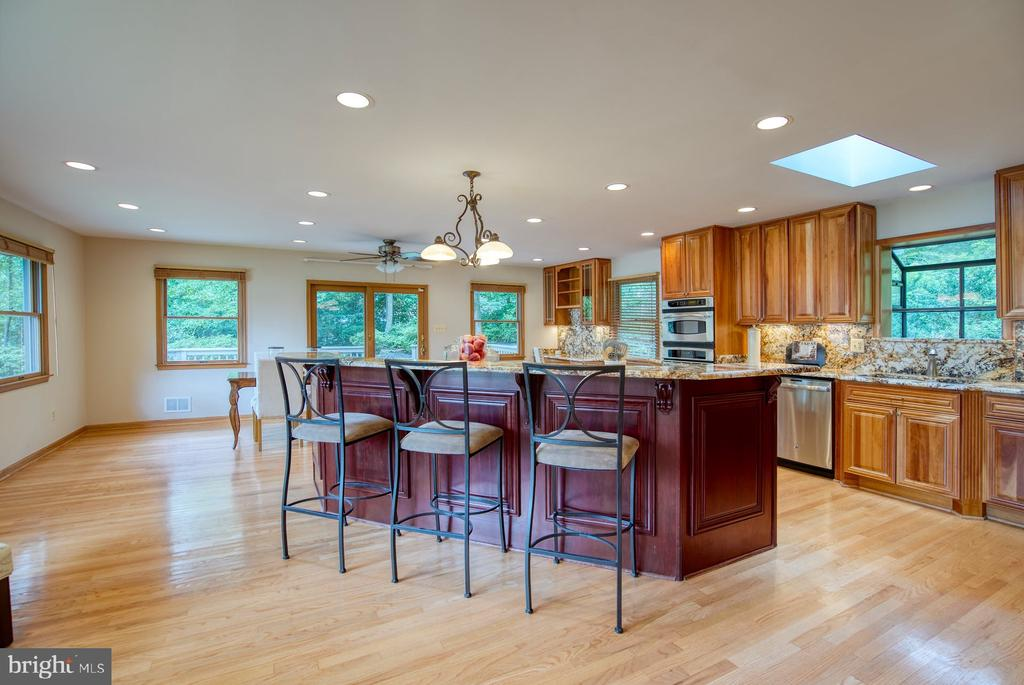 expanded kitchen - 9900 MOSBY RD, FAIRFAX