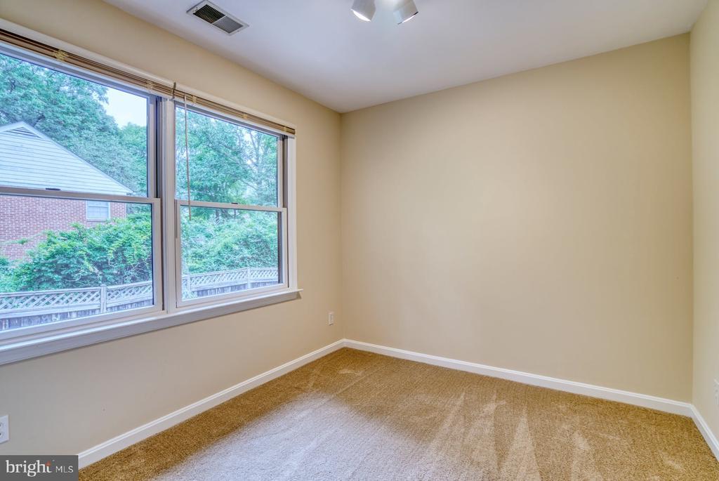 2nd bedroom - 9900 MOSBY RD, FAIRFAX