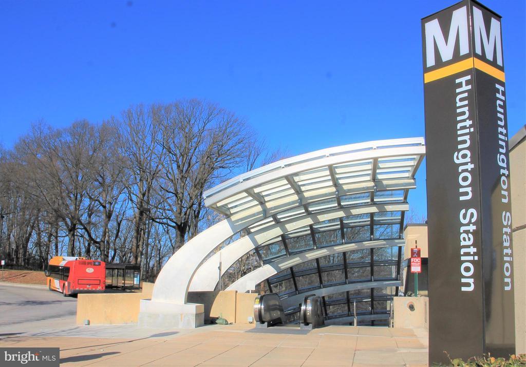 Metro - 5970 EDGEHILL CT, ALEXANDRIA