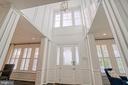 Impressive 2 lvl foyer - 1001 AKAN ST SE, LEESBURG