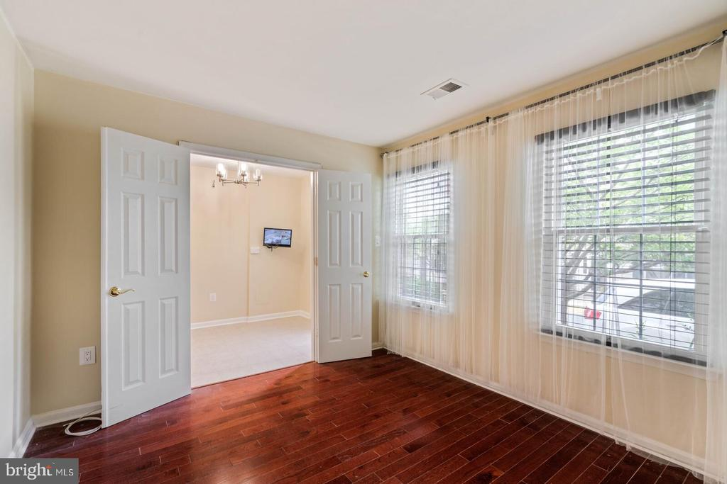 Bedroom on Lower Level - 22916 REGENT TER, STERLING