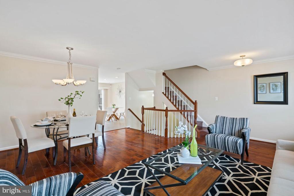 Living Room View toward Kitchen - 22916 REGENT TER, STERLING