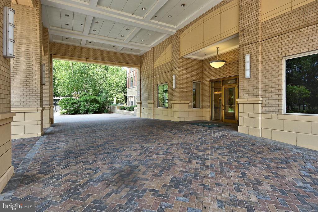 Front entrance - 11776 STRATFORD HOUSE PL #407, RESTON