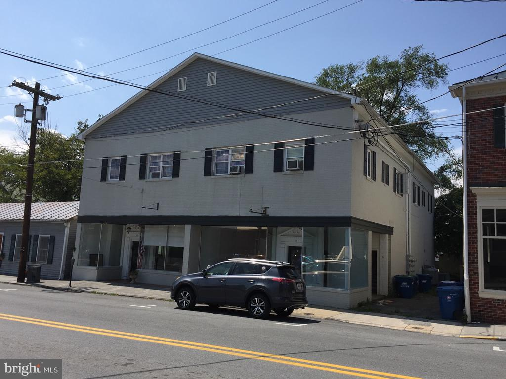 2 retail units street lvl; 4 two bedroom units up - 11 S CHURCH ST, BERRYVILLE