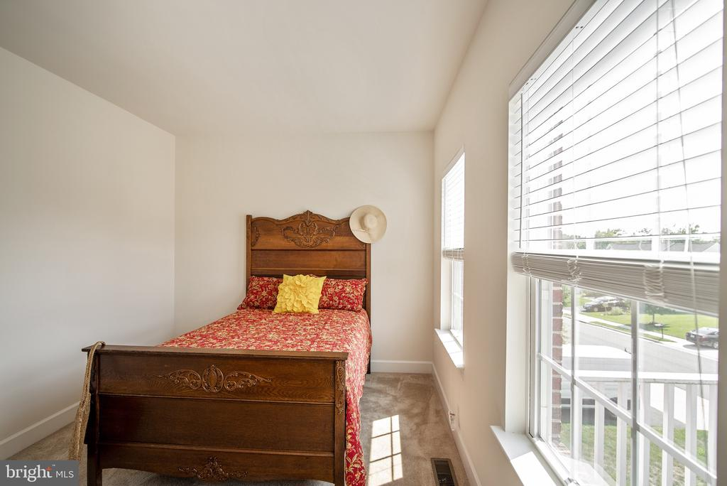 Bedroom #3 - 3353 SOARING CIR, WOODBRIDGE