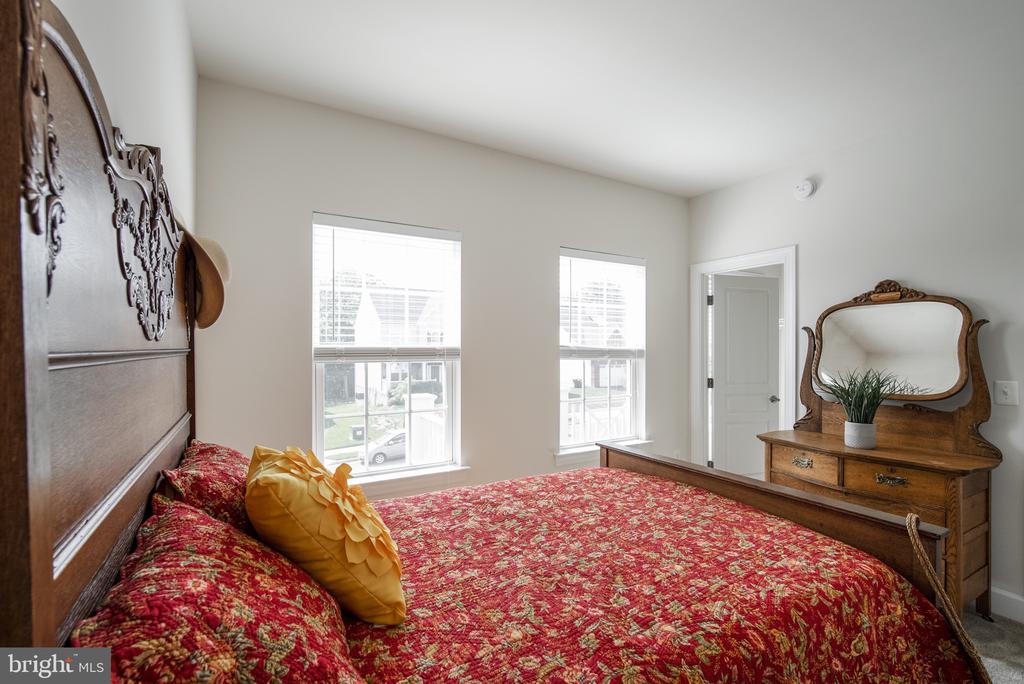 Bedroom#3 - 3353 SOARING CIR, WOODBRIDGE