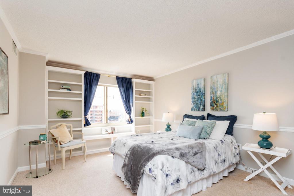 Large master bedroom - 2181 JAMIESON AVE #2010, ALEXANDRIA