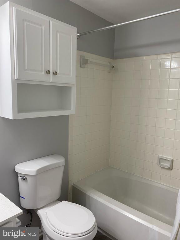 Bathroom - 108 HAMILTON RD, STERLING