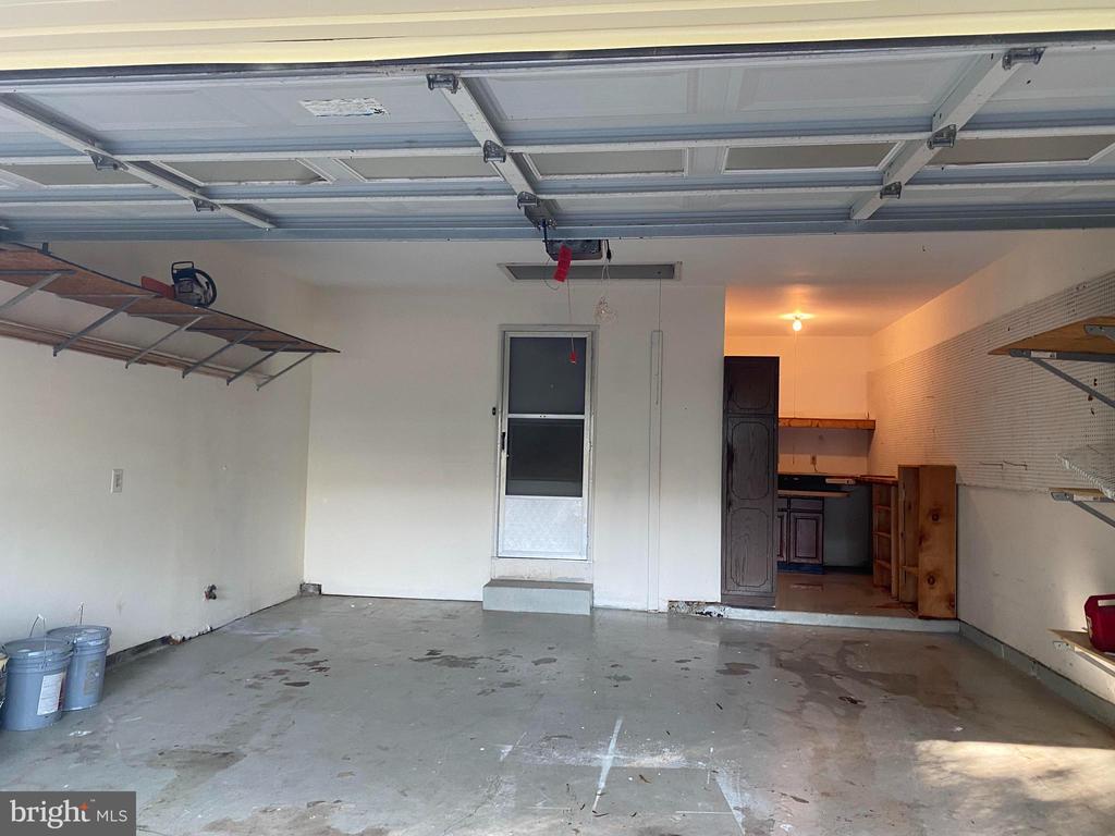 Garage - 108 HAMILTON RD, STERLING
