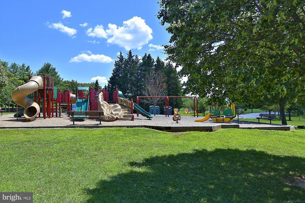 Avenel Playground - 9105 WILLOW GATE LN, BETHESDA