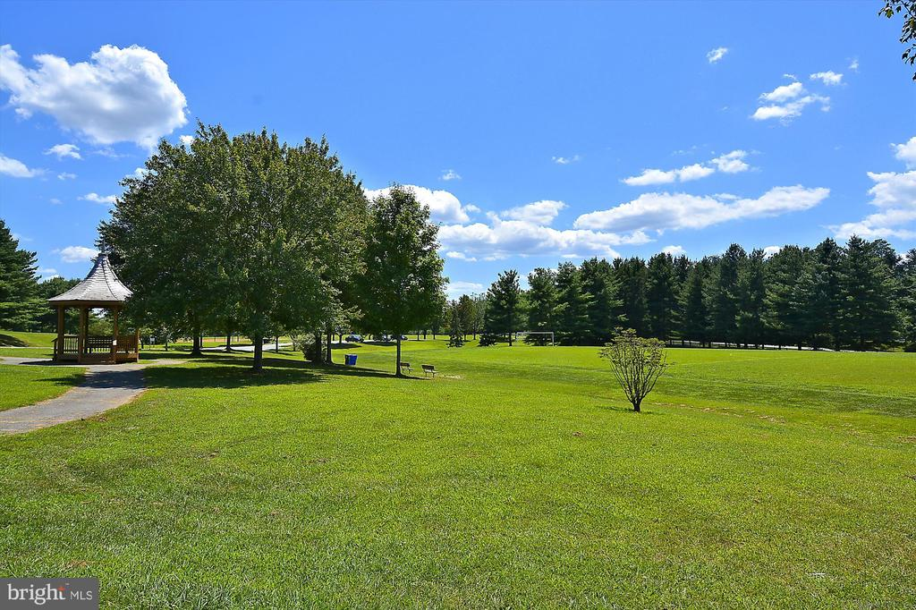 Avenel Park with Athletic Fields - 9105 WILLOW GATE LN, BETHESDA