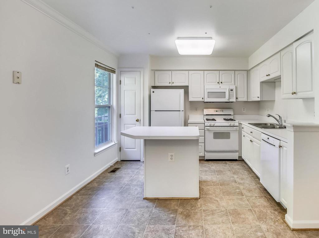 kitchen - 5970 EDGEHILL CT, ALEXANDRIA