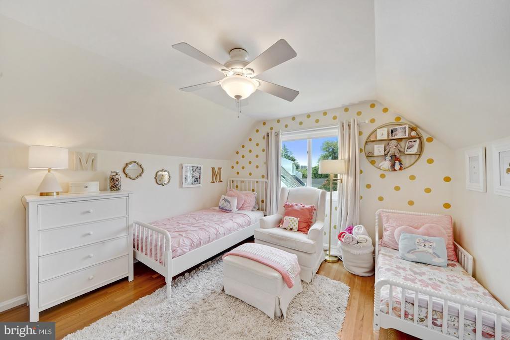 Upper Level Second Bedroom - 606 N OWEN ST, ALEXANDRIA