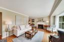 Charming Front Living Room - 606 N OWEN ST, ALEXANDRIA