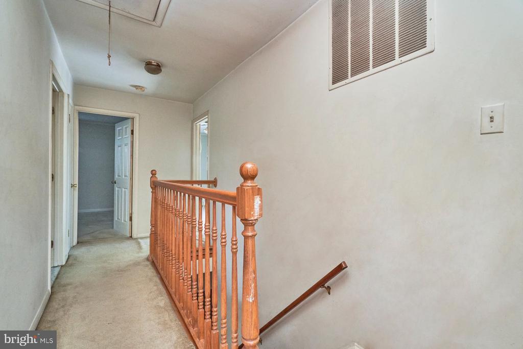 Upper Level Hall - 8724 CHERRY DR, FAIRFAX