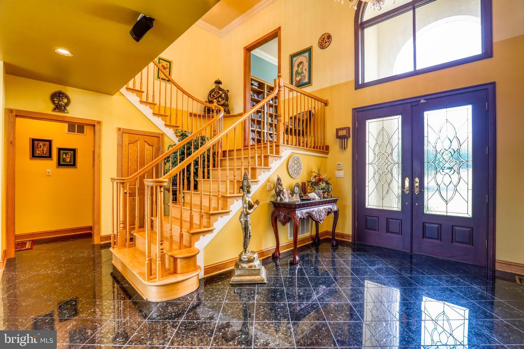 Two story foyer - 1035 HETH PL, WINCHESTER