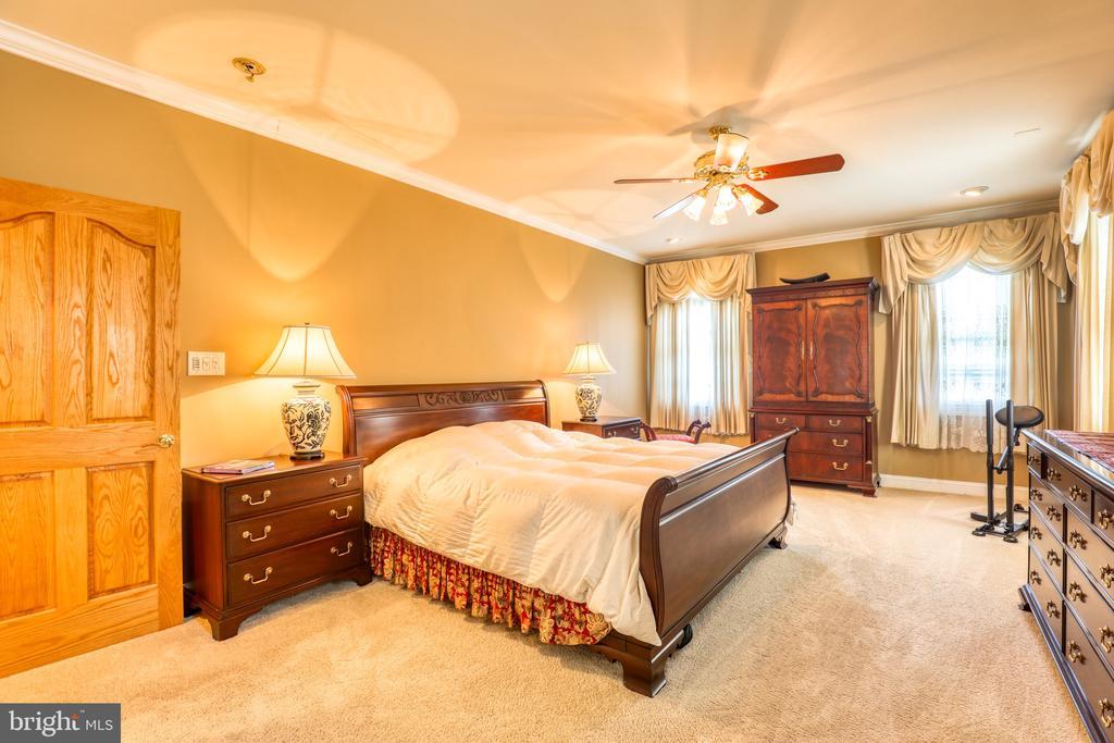 Main Level Master Bedroom - 1035 HETH PL, WINCHESTER