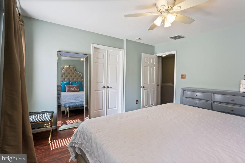 Primary Bedroom - Pretty Floors! - 6342 JAMES HARRIS WAY, CENTREVILLE