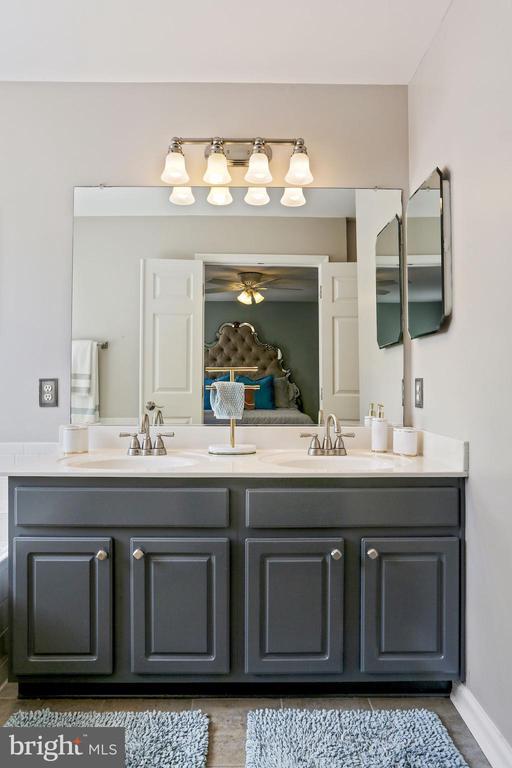 Primary Bathroom - Dual Sinks! - 6342 JAMES HARRIS WAY, CENTREVILLE