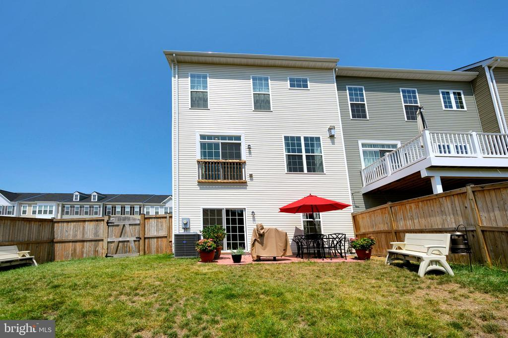 Rear of home view - 114 THRESHER LN #18, STAFFORD