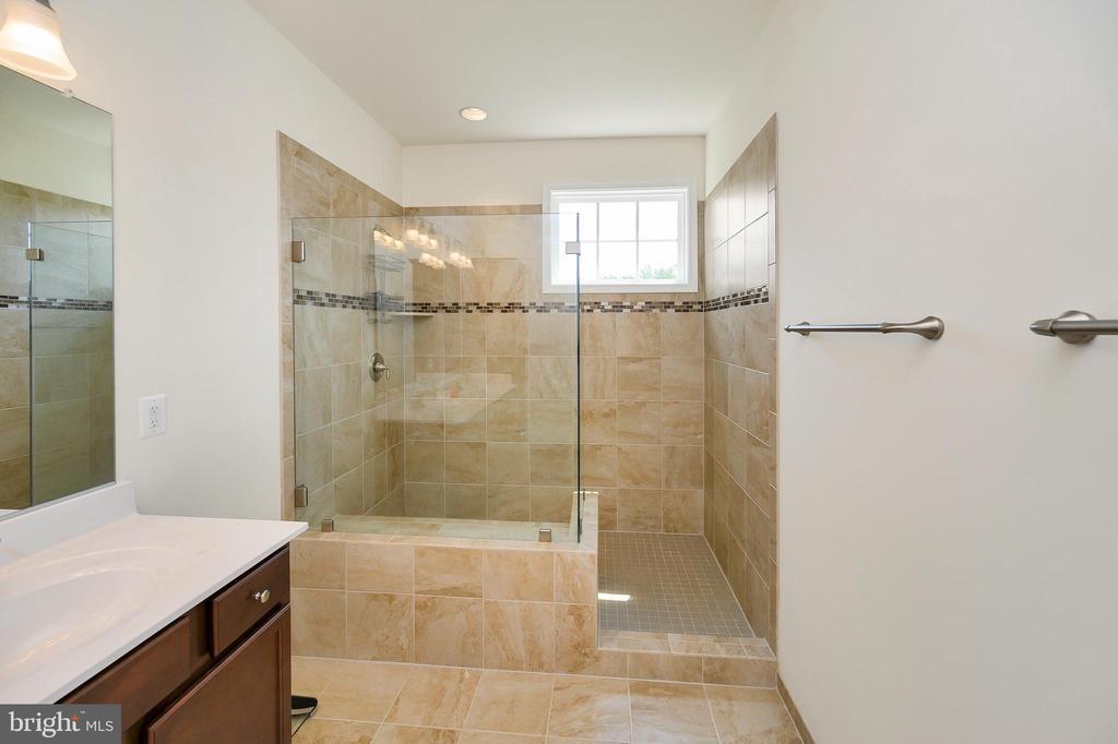 Ceramic tile floors & in luxury walk in shower - 114 THRESHER LN #18, STAFFORD