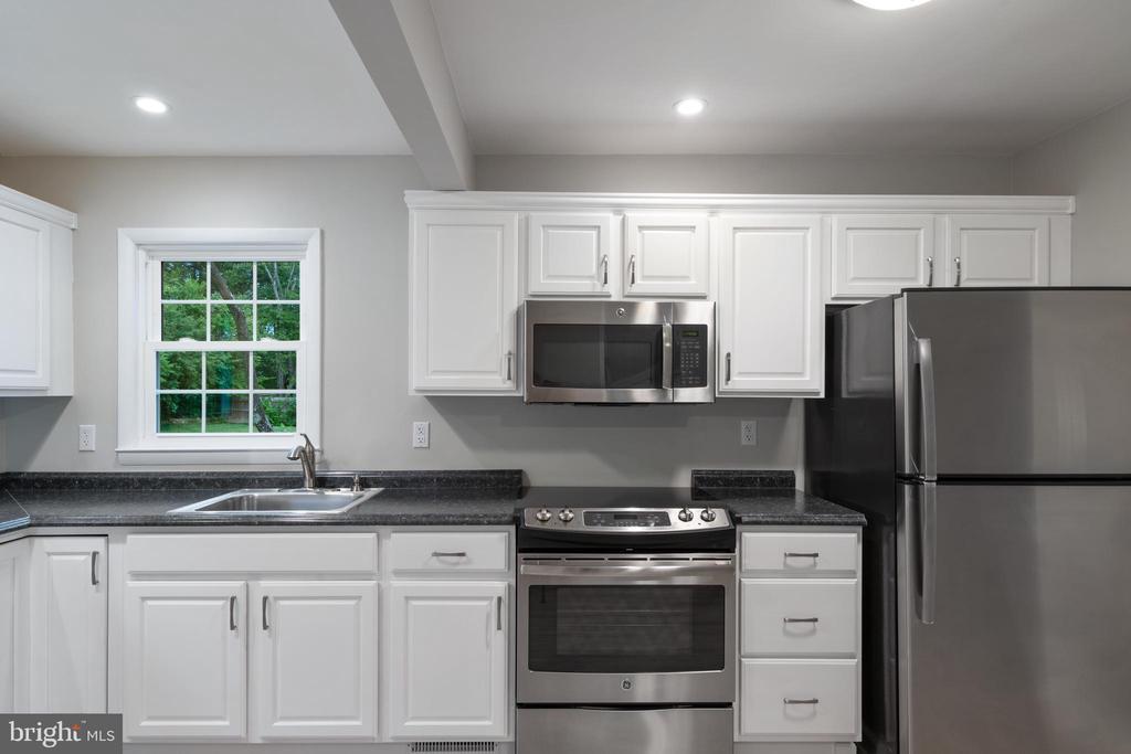 Kitchen - 118 GARR, CULPEPER