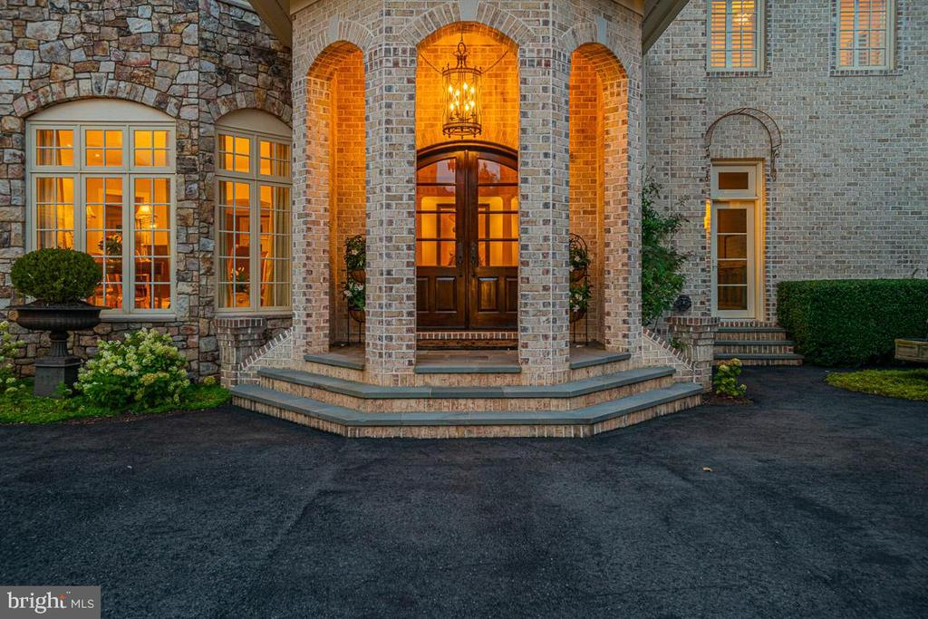 Front Entry - 15830 SPYGLASS HILL LOOP, GAINESVILLE