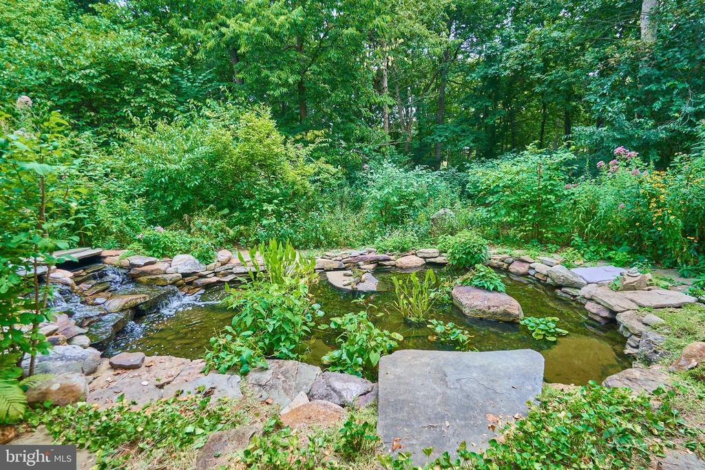 Koi Pond with meditation rock - 619 BRECKENRIDGE WAY, SHENANDOAH JUNCTION