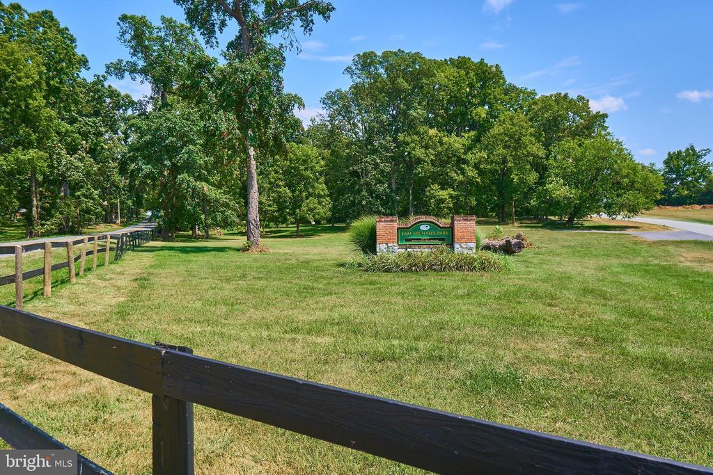 Sam Michaels Park with walking trails - 619 BRECKENRIDGE WAY, SHENANDOAH JUNCTION