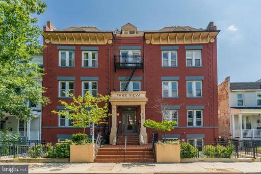 610 IRVING ST NW #104
