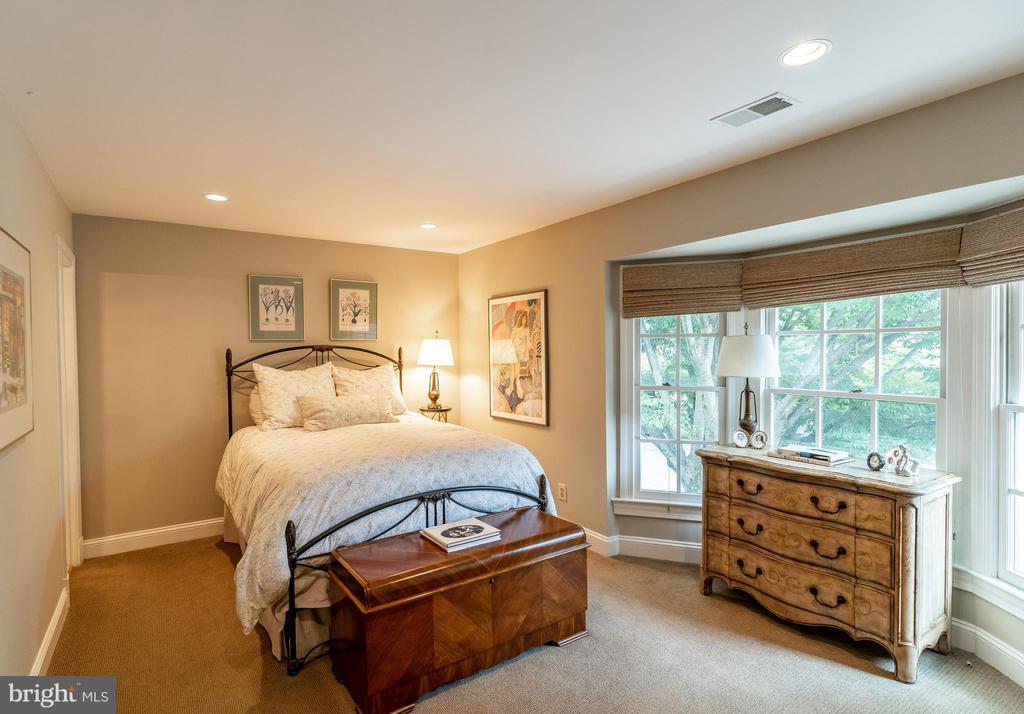 Ensuite Bedroom 3 - 7804 ORCHARD GATE CT, BETHESDA