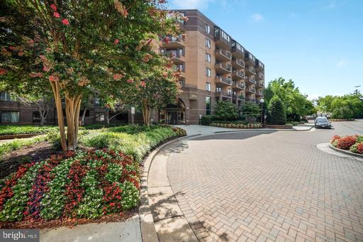 2111 WISCONSIN AVE NW #308