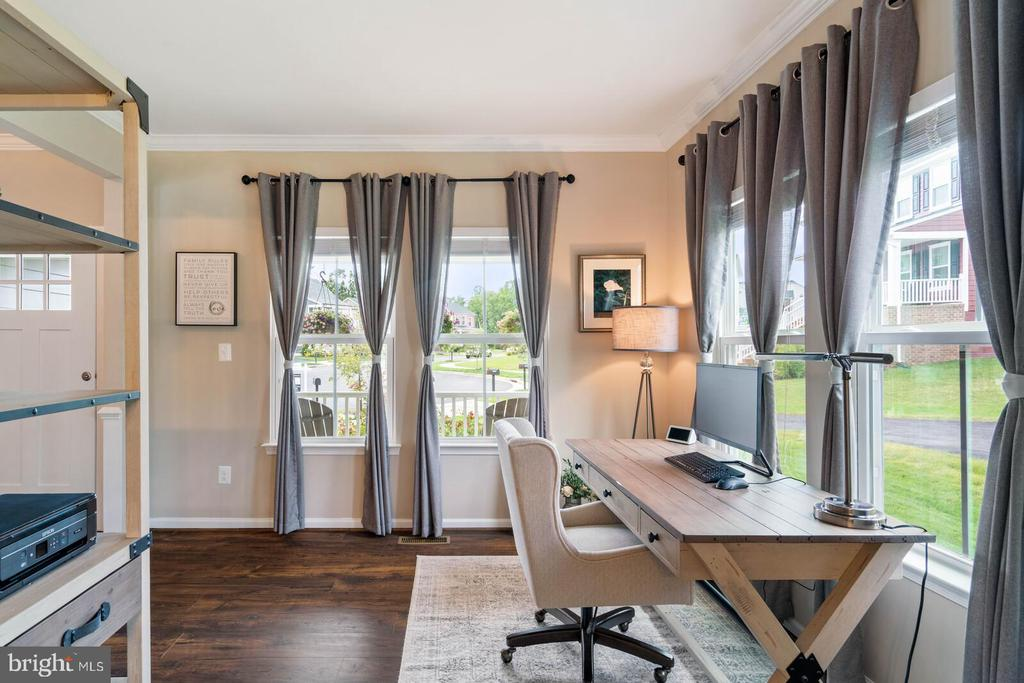 Living room/ Office - 2300 HARMSWORTH DR, DUMFRIES