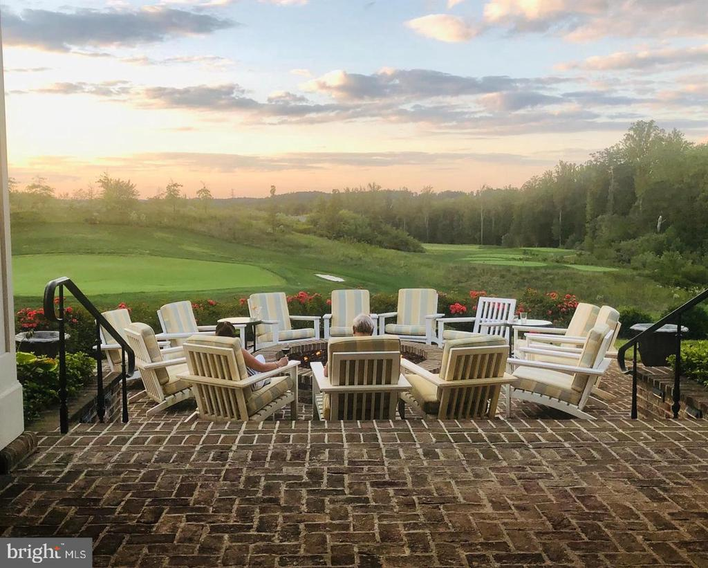 A great place to watch the sunset - 2300 HARMSWORTH DR, DUMFRIES