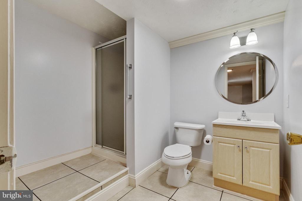 Bathroom - 3008 MEDITERRANEAN DR, STAFFORD
