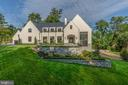 Uncompromising quality at Dogue Hill - 1004 DOGUE HILL LN, MCLEAN